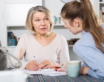 How to Establish a Care Plan for Your Elderly Loved One in Dallas, TX